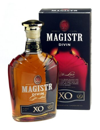 Magistr Divin De Lux XO 50cl giftbox