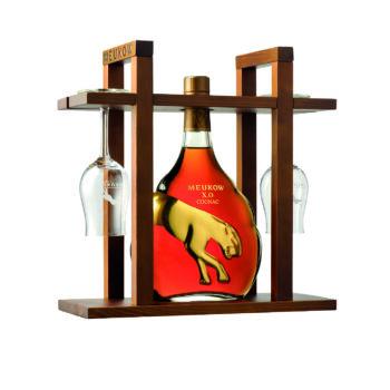 Meukow Cognac XO 70cl puitraam + 2 klaasi