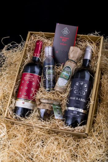 Hispaania punaste veinide kinkekomplekt gurmeega